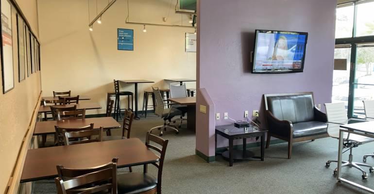 Plug & Play Coffee & Internet Cafe